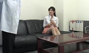 Sara Yurikawa bush-league girl goes nasty on a fat dong